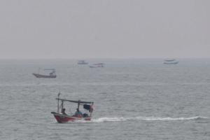 Nelayan Terengganu Masih Ke Laut Walau Cuaca Jerebu