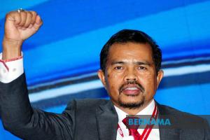 Adnan Mat Dipilih Presiden Cuepacs Baharu
